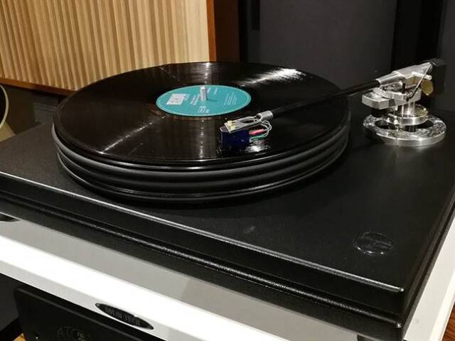 Gramofon Nottingham Analogue Interspace Junior + Ortofon Rondo Blue MC
