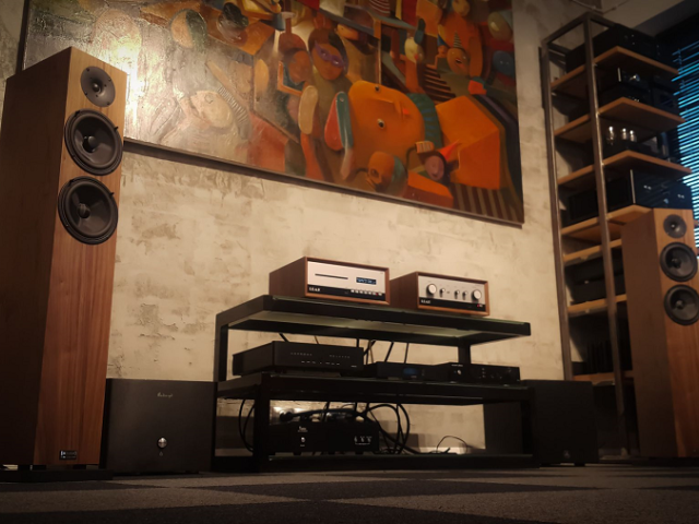 Audio Physic Classic 8 Walnut + Leak CDT + Leak Stereo 130